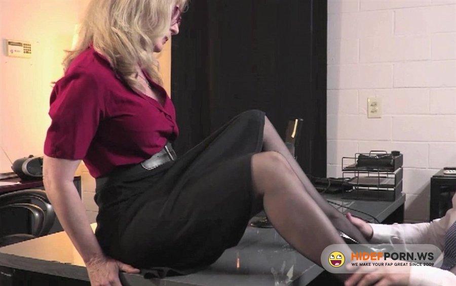 Hustler - Nina Hartley - Office Affairs [2020/FullHD]