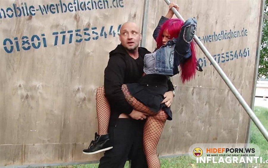 Inflagranti - Mia De Berg - Exhibitionist Couple [2020/FullHD]