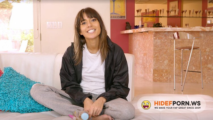 Fuckingawesome - Janice Griffith - HOUSE SITTER JANICE GETS FUCKED BY HER DADDY'S FRIEND [HD 720p]
