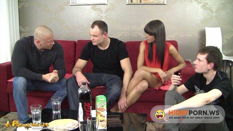 Xes.pl/Podrywacze.pl - Aisha - Jak impreza to impreza [HD 720p]