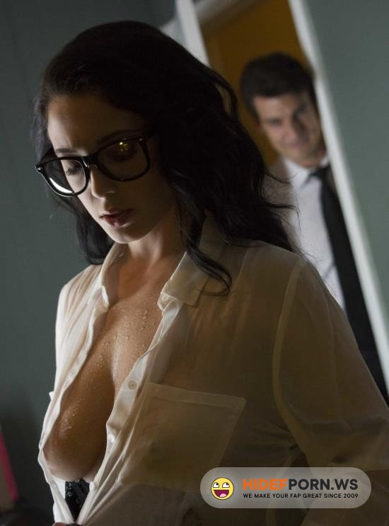 WowGirls.com - Noelle Easton - Sex In Office [HD 720p]