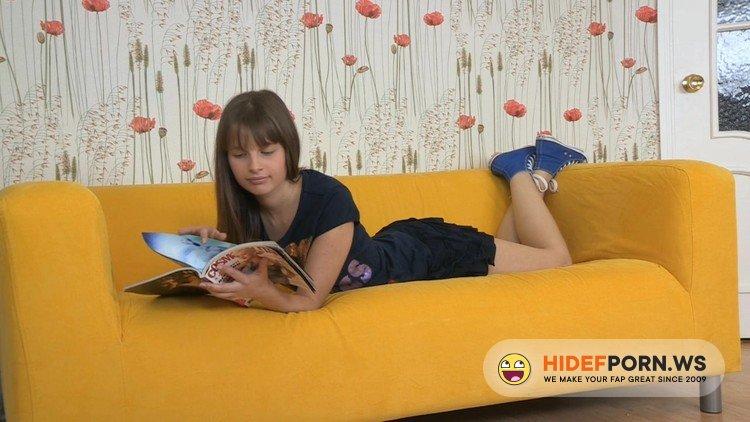 ExclusiveTeenPorn.com - Lili - Teen Porno [HD 720p]