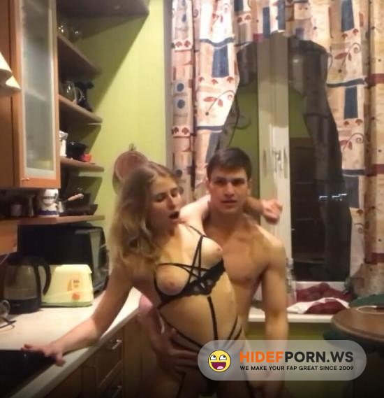Amateurporn.сс - Amateur - Russian Fuck in the Kitchen During Quarantine [FullHD 1080p]