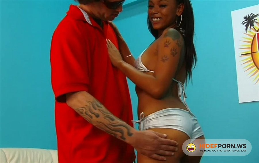 RapVideoAuditions - Amateurs - Ebony Chick Loves Sucking White Cocks [2020/HD]