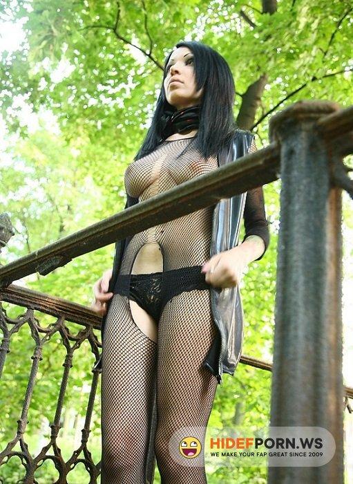 Amateurporn.cc - Zuza - Fuck Russian Hot Goth Girl [SD 432p]