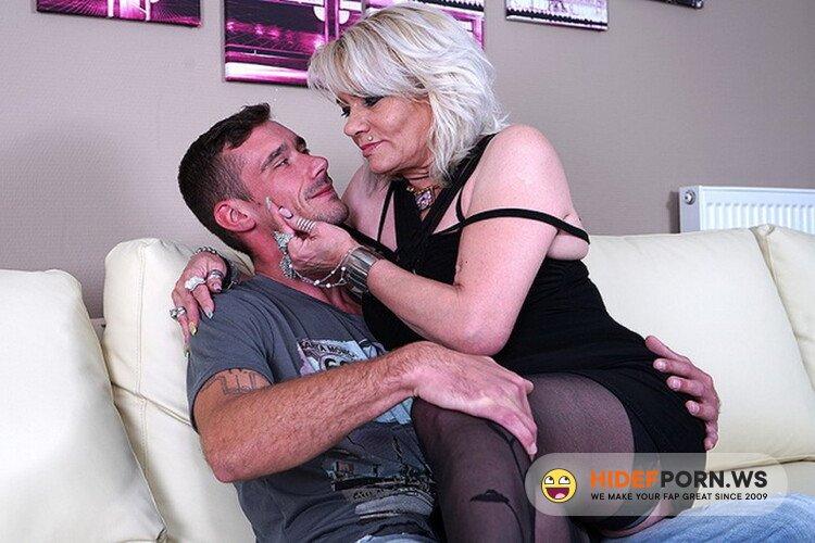 Love-Moms.com/Mature.nl - Elenka (54) - mat-alex205 [HD 720p]