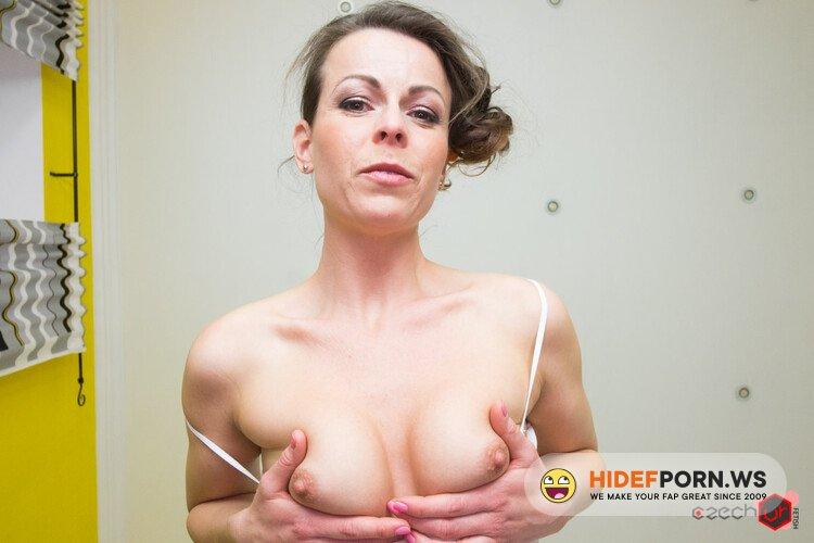CzechVRFetish.com/CzechVR.com - Caroline Ardolino - Sexy MILF Sitting on Your Face [UltraHD 2K 1920p]