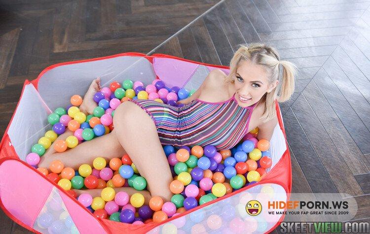 ExxxtraSmall.com/TeamSkeet.com - Sky Pierce - Bubble Pit Pussy Pleasure [FullHD 1080p]