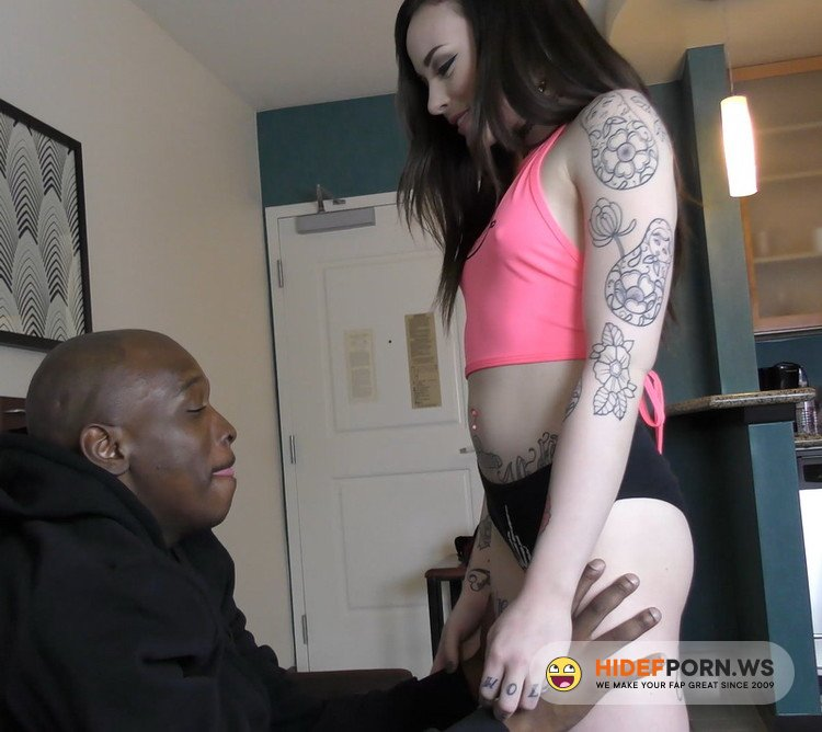 DickDrainers XXX/Clips4Sale.com - Chloe Carter - Savagely FORCING 11 Inches of ICE COLD BBC Down A Milky White Throat! [UltraHD/4K 2160p]