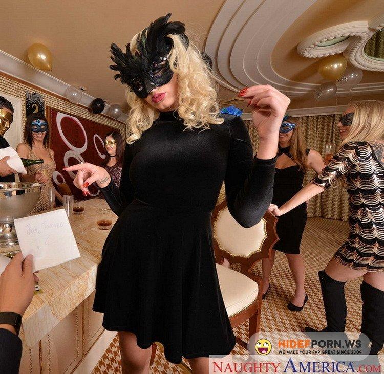 NaughtyAmericaVR.com/NaughtyAmerica.com - Ariana Marie, Athena Palomino, Riley Reyes - Fiderio/The Penthouse Soiree [UltraHD 2K 1440p]