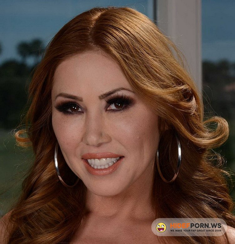 MommyGotBoobs.com/Brazzers.com - Kianna Dior - Selfies With Your Mom [FullHD 1080p]