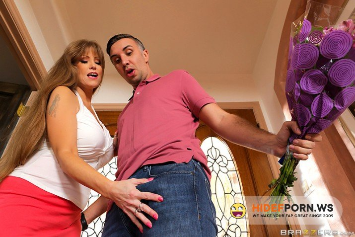 MilfsLikeItBig.com/Brazzers.com - Darla Crane - Too Much Dick For Her Daughter [FullHD 1080p]