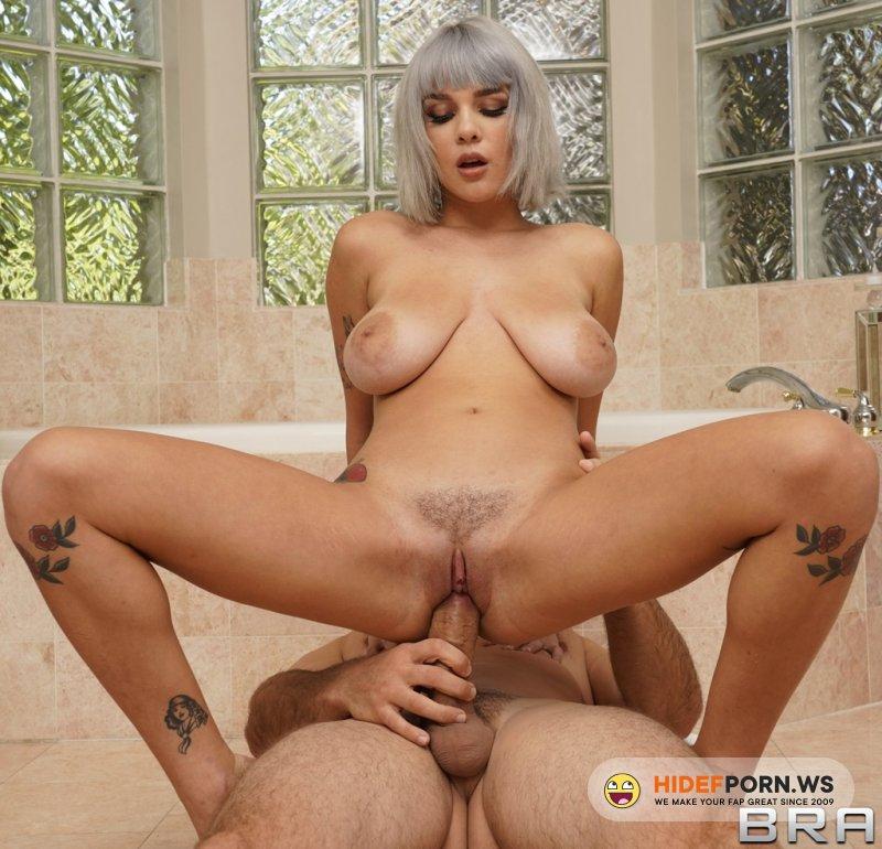 BabyGotBoobs - Gabbie Carter - Sneaky Shower Sex [HD 720p]