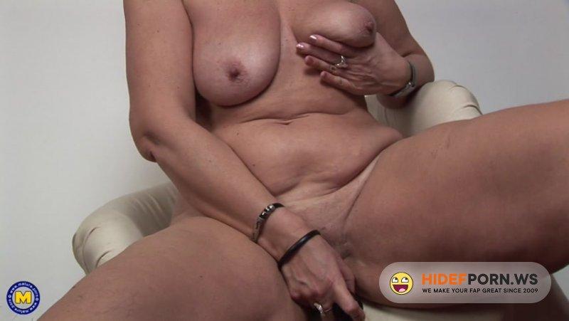 Mature.nl - Jennifer - Horny Mature Lady Masturbating Herself On Cam [FullHD 1080p]