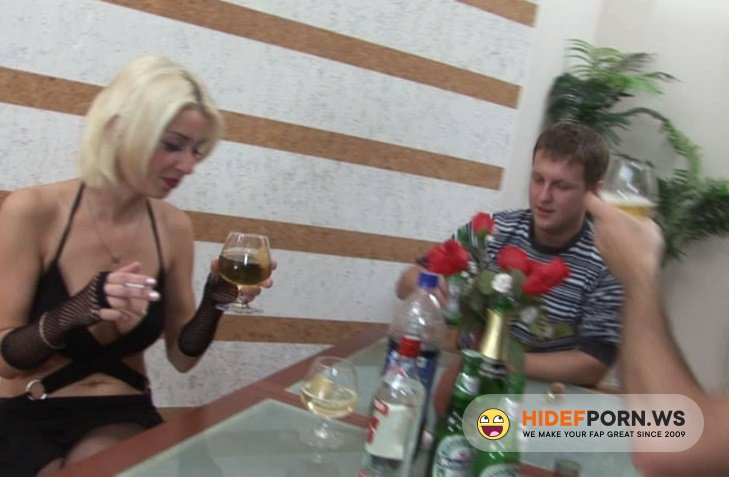 Amateurporn.com - Alice - Drunked Girl Fucked [SD 480p]