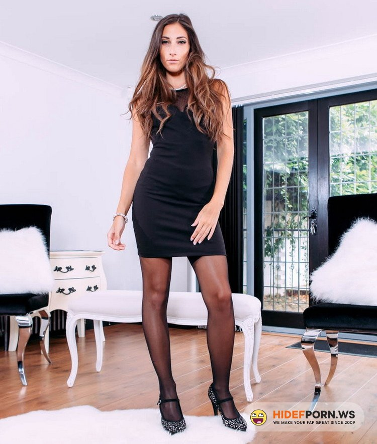 PrivateStars.com/Private.com - Clea Gaultier - Clea Gaultier, top model fucks in sexy lingerie [HD 720p]