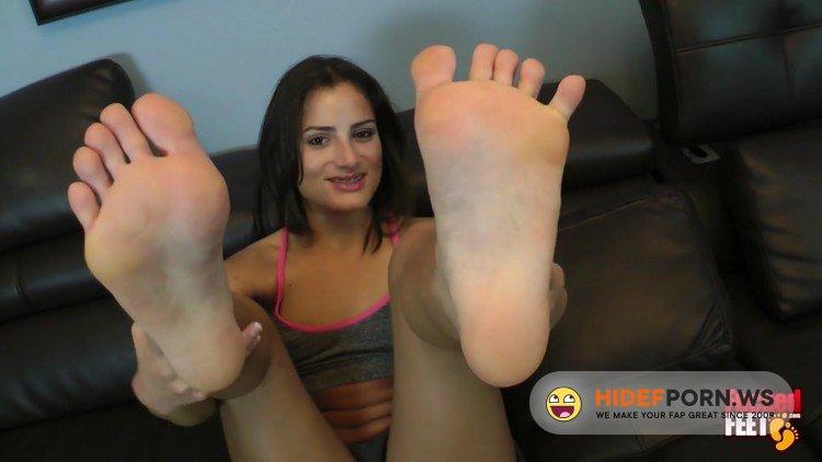 FuckedFeet.com - ChiChi Medina - A Hot Girl With Braces [FullHD 1080p]