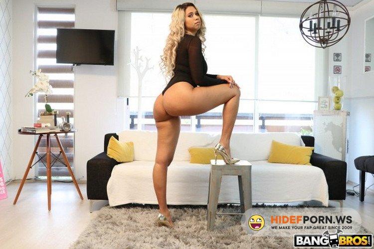 MonstersOfCock.com/BangBros.com - Avril Santana - Is That a Fake Cock? [SD 480p]