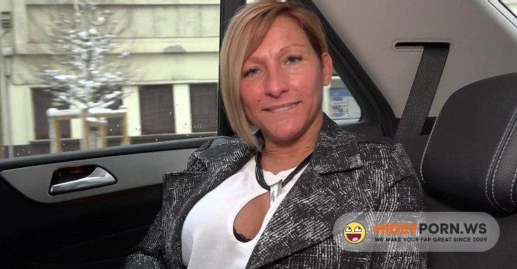 JacquieEtMichelTV.net/Indecentes-Voisines.com - Laura - Laura, 41ans, responsable des achats [FullHD 1080p]