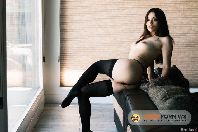 EroticaX.com/XEmpire.com - Liv Wild - Can I Take Your Picture? [FullHD 1080p]