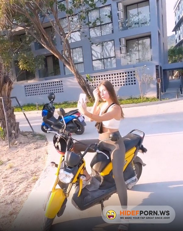 Chaturbate.com - DickForLily - Tourist Fell for my Motorbike and got Hot Sex and Cum on her Chest [FullHD 1080p]