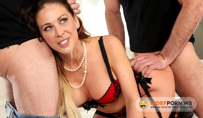 MomIsHorny.com/BangBros.com - Cherie Deville - Cherie Deville Loves the DP [FullHD 1080p]