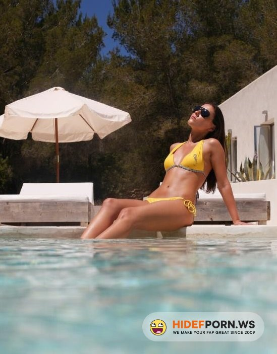 ArtSex.com - Ivy - Wet Pool Sex In Yelow Bikini [HD 720p]