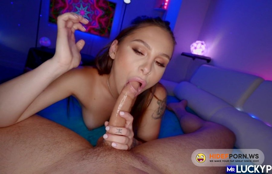 MrLuckyPOV - Mia Moore - Thick Ass Mia Bounces Tight Pussy On The Dick [2020/HD]