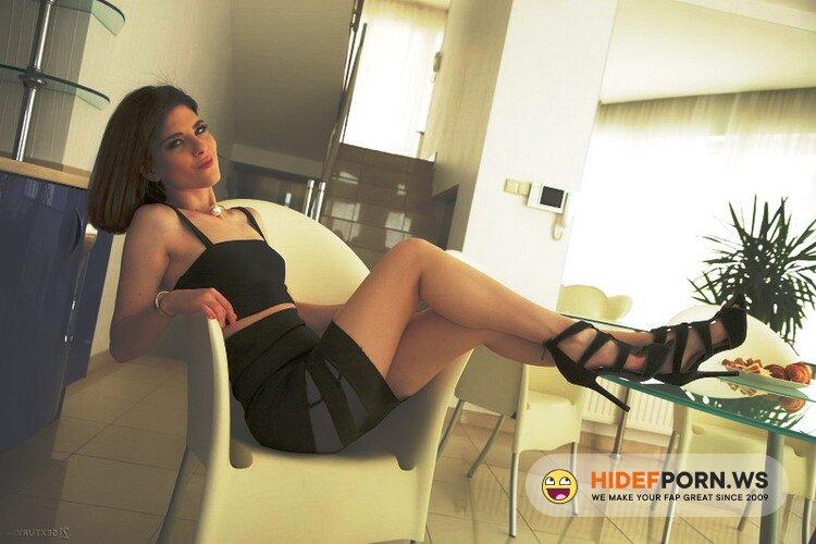 Asshole fever/21Sextury.com - Sara Bell - Horny Italiana [FullHD 1080p]