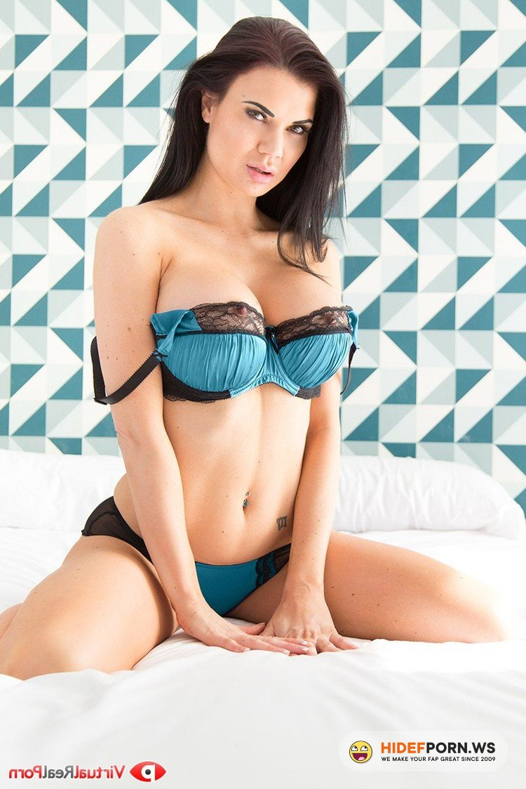VirtualRealPorn.com - Jasmine Jae - Between the Sheets [UltraHD/2K 1600p]
