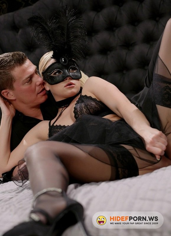 PornPremium.com - Vinna Red - Beauty Sex In Mask And Black Stockings [HD 720p]