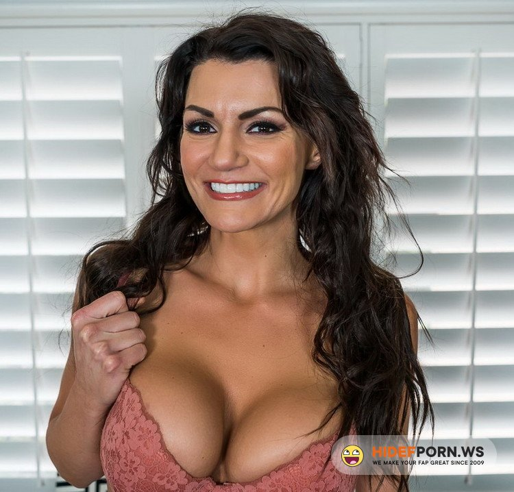 MilfVR.com - Becky Bandini - Roommating [FullHD 1080p]