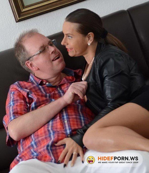 XXX Omas - Susi - Sexy Susi in German threesome [FullHD 1080p]