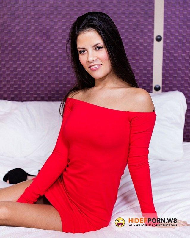 Amateurporn.cc - Yogi - Porn Casting In Hootel [HD 720p]