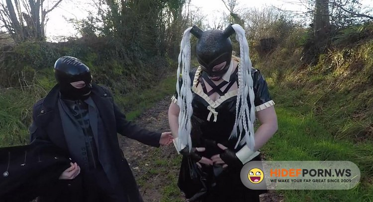 MissMaskerade - MissMaskerade - Miss Maskerade Exhibition in Full Rubber French Maid Adventure Outdoor Giving Latex Blowjob [FullHD 1080p]
