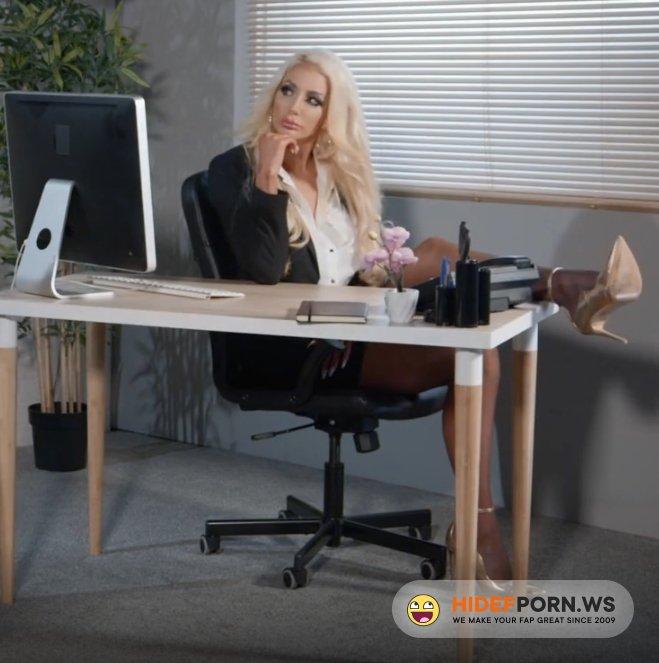 Brazzers - Nicolette Sheas - SNEAK PEEK of Nicolette Sheas FIRST ANAL [FullHD 1080p]
