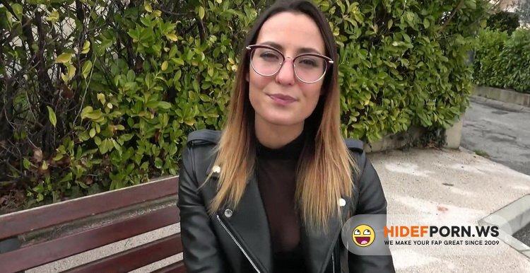 JacquieEtMichelTV.net/Indecentes-Voisines.com - Pam - Pam, 25, Sports Coach In Manosque [FullHD 1080p]