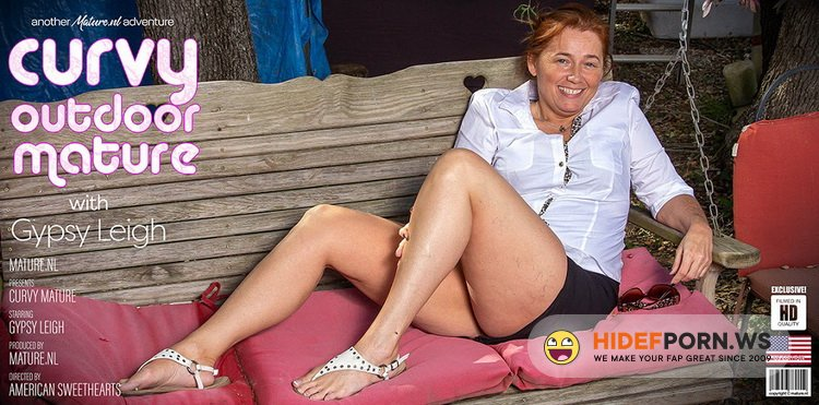 Mature.nl - Gypsy Leigh (48) - Curvy Gypsy Leigh is getting naked in the forest to show off her big butt [FullHD 1080p]