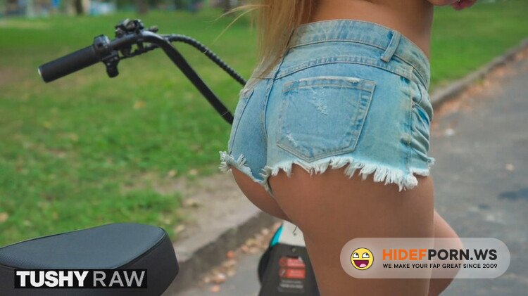 TushyRaw - Alexis Crystal - Wanted the Biggest Cock she could Find in her Ass [FullHD 1080p]
