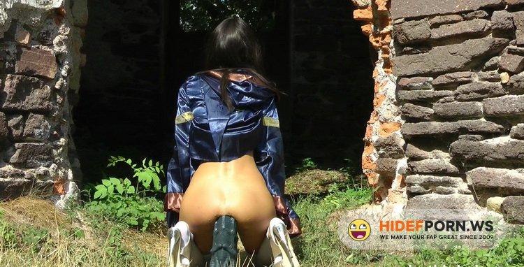 Hotkinkyjo - HotKinkyJo - Anal Queen fuck XXXL Seahorse dildo & prolapse in castle [FullHD 1080p]
