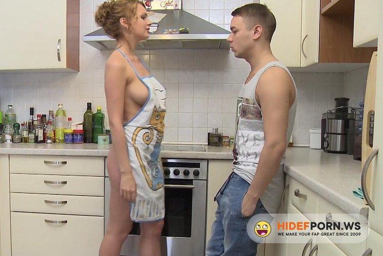 RealAgent.xxx - Emily Archy aka Emily Thorne - Hot Kitchen Fuck [FullHD 1080p]