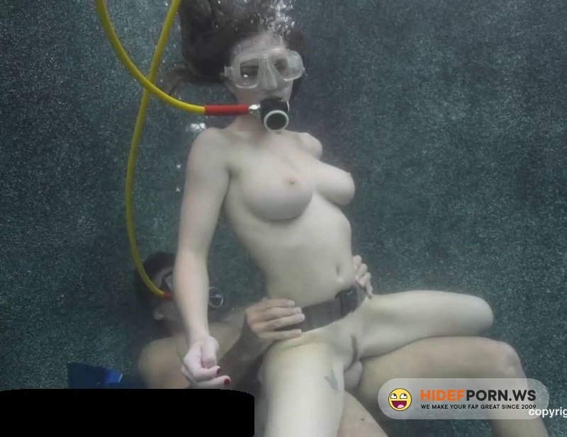 Amateurporn.cc - Molly Jane - Sex Under Water [HD 720p]
