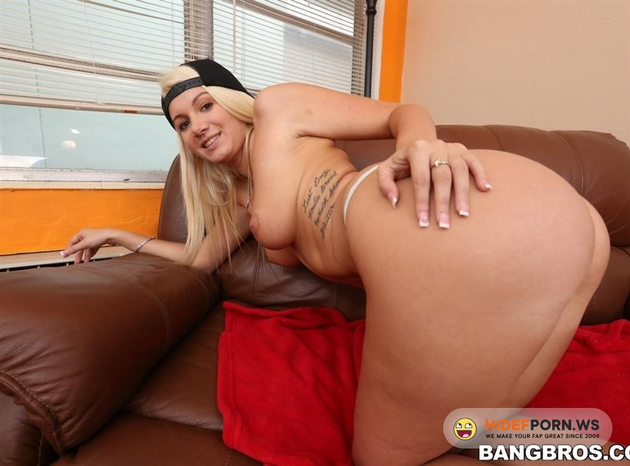 MonstersOfCock - Layla Price - Blonde White Girl Tries A Big Black Dick [2020/FullHD]
