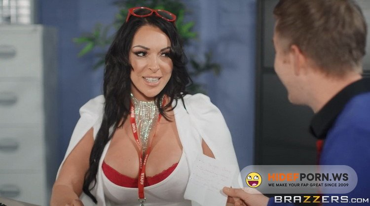 Brazzers - Victoria Summers - Hot Busty Babe Victoria Summers Gets Danny to Lick her Pussy & Fuck it Hard [FullHD 1080p]
