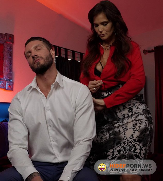 IHaveAWife.com/NaughtyAmerica.com - Syren De Mer - Syren De Mer gives her customer the best service in her hotel at the naughty room [FullHD 1080p]