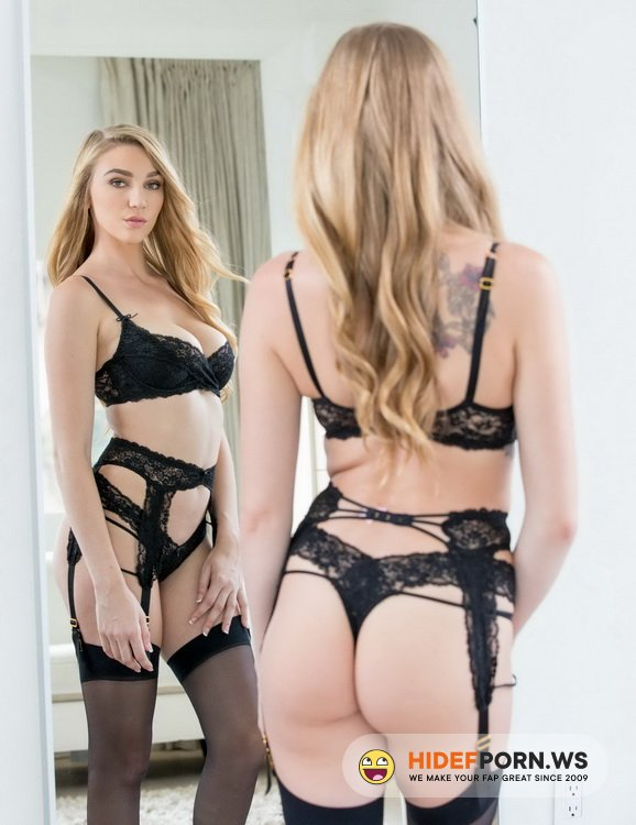 Vixen.com - Kendra Sunderland - Sexting Right In Front Of Them [HD 720p]