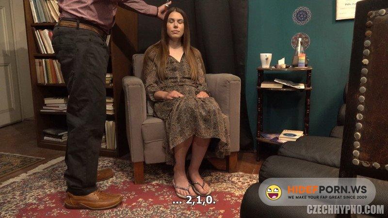 CzechHypno.com/CzechAV.com - Jessica Bell - Kojici mamina Simona [FullHD 1080p]