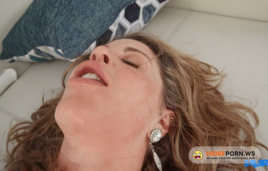 Squirted - Crystal Taylor - Working Up A Squirt [2021/HD]