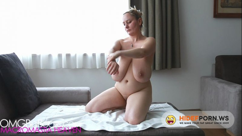OmgBigBoobs - Natasha Rubbing - Oil On Her Body [HD 720p]