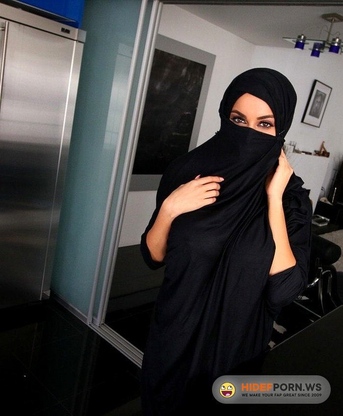 ArabsExposed.com - Victoria June - Arabian Wife Cheating [FullHD 1080p]